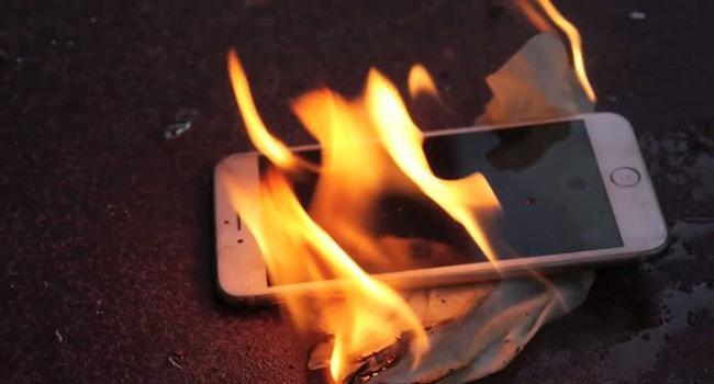Akıllı Telefonların Pilleri Neden Patlar ?